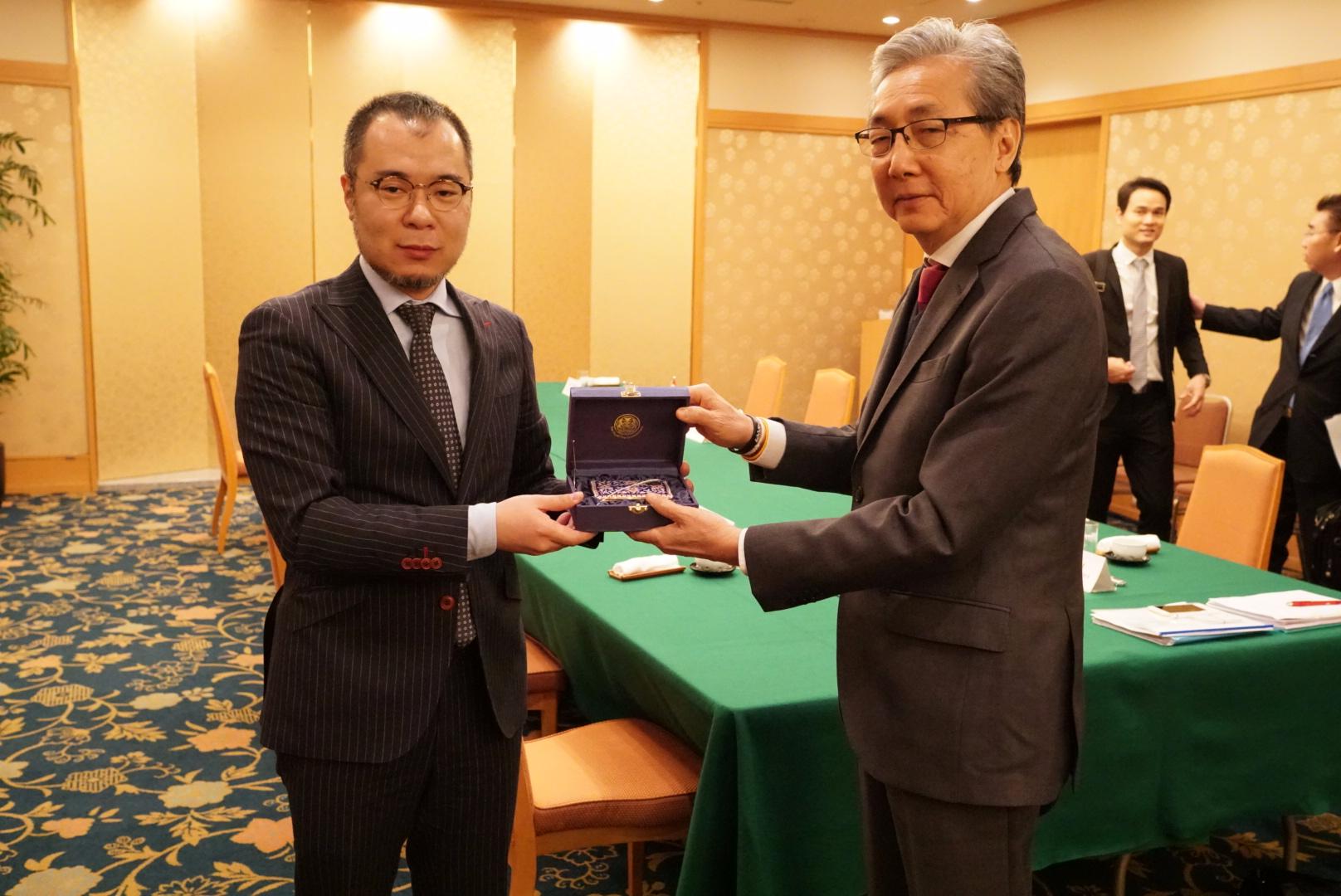 タイ王国ソムキット副首相と単独会談時の様子